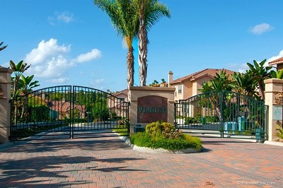 Carlsbad Condo/Townhouse For Sale: 7124 Tatler Road