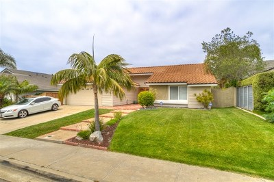 Carlsbad Single Family Home For Sale: 944 Daisy Ave