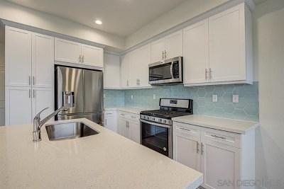 Chula Vista Condo/Townhouse For Sale: 2036 Foxtrot Loop #6