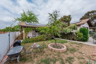 Lemon Grove Single Family Home For Sale: 7870 Montana St