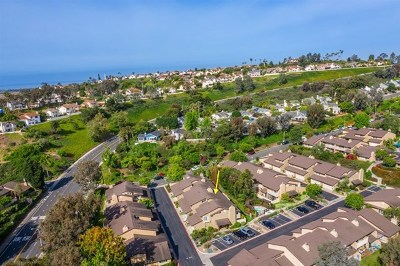 Carlsbad Condo/Townhouse For Sale: 4669 Coralwood Circle