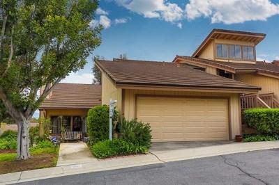 Escondido Condo/Townhouse For Sale: 401 Teakwood Glen