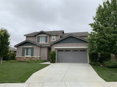 Murrieta Single Family Home For Sale: 30951 Moonflower Lane
