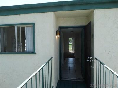 Escondido Condo/Townhouse For Sale: 1817 E. Grand #68