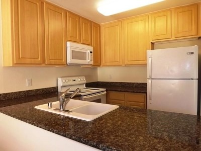 El Cajon Condo/Townhouse For Sale: 589 N Johnson #105