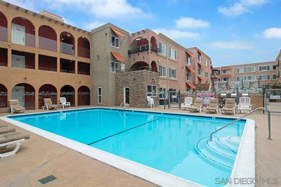 San Diego Condo/Townhouse For Sale: 860 Turquoise Street #222
