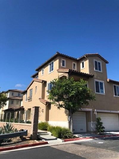 Chula Vista Condo/Townhouse For Sale: 2339 Corte Viejo #55