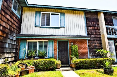 El Cajon Condo/Townhouse For Sale: 325 Graves Ct