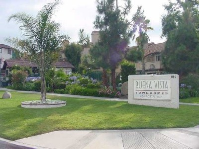Vista Condo/Townhouse For Sale: 955 Postal Way #49