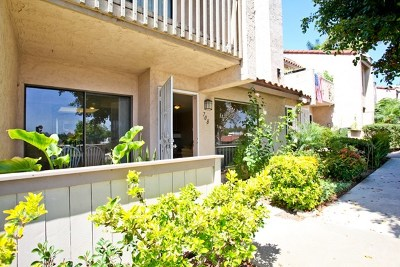 Vista Condo/Townhouse For Sale: 708 Silver Dr