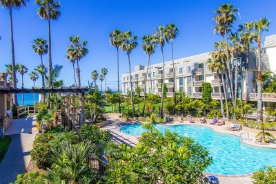 Oceanside Condo/Townhouse For Sale: 999 N Pacific St. #G200