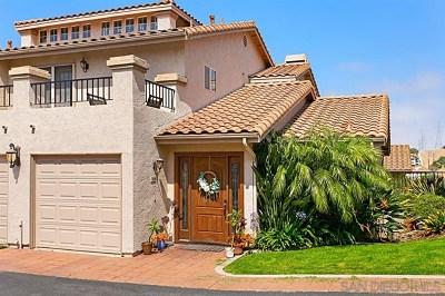 Carlsbad Condo/Townhouse For Sale: 7460 Alicante Road