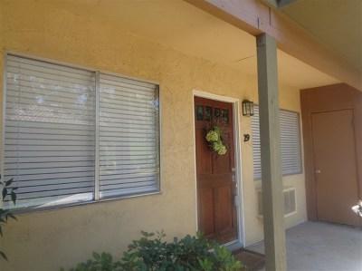 Escondido Condo/Townhouse For Sale: 2041 E Grand Ave #29
