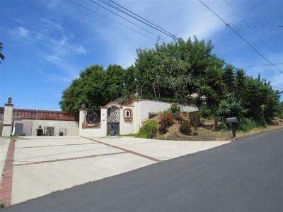 Vista Single Family Home For Sale: 2525 El Sereno Way