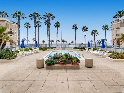Oceanside Condo/Townhouse For Sale: 400 N Pacific St #303