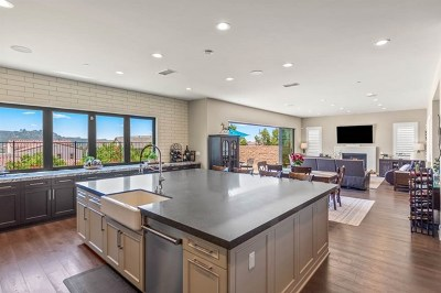 Carlsbad Single Family Home For Sale: 4725 Kentner Ct