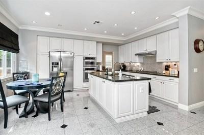 Carlsbad Single Family Home For Sale: 2936 Avenida Valera