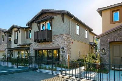 Carlsbad Condo/Townhouse For Sale: 3173 Tondi Way