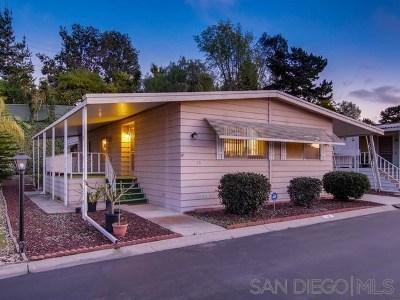 Vista Single Family Home For Sale: 2130 Sunset Dr. # 15