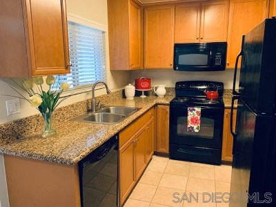 El Cajon Condo/Townhouse For Sale: 1423 Graves Ave #267