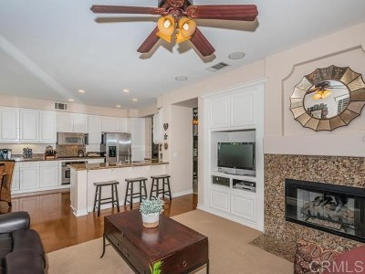 Carlsbad Single Family Home For Sale: 5463 Foxtail Loop