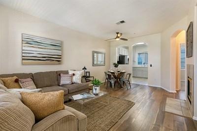 Carlsbad Condo/Townhouse For Sale: 6236 Via Trato