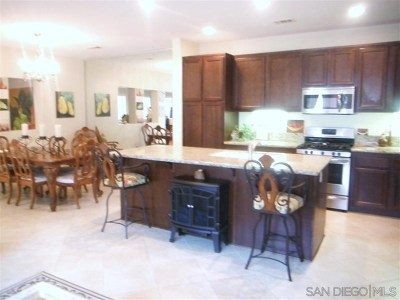 Chula Vista Condo/Townhouse For Sale: 1609 Moonbeam Lane
