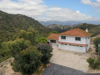 Fallbrook Single Family Home For Sale: 2364 Green Valley Rd