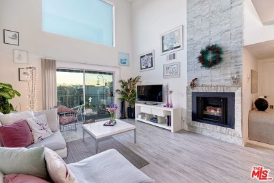 Studio City Condo/Townhouse For Sale: 4311 Colfax Avenue #223