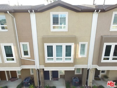 Van Nuys Condo/Townhouse For Sale: 14703 Sherman Way