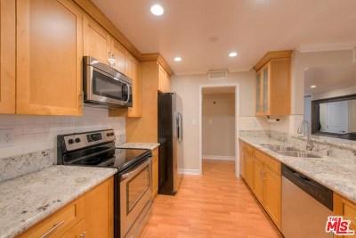 Sherman Oaks Condo/Townhouse For Sale: 5115 Kester Avenue #104