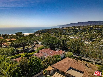 Santa Monica Single Family Home For Sale: 430 Adelaide Drive