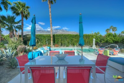 Palm Springs Single Family Home For Sale: 733 Desert Way