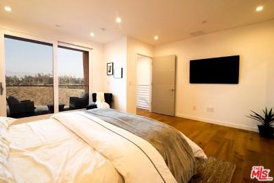 Los Angeles Condo/Townhouse For Sale: 1035 Figueroa Terrace #17