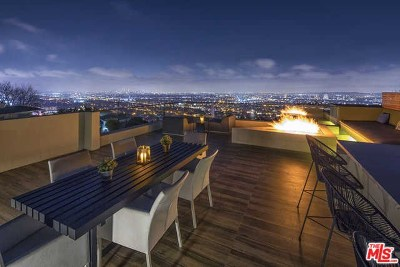 Single Family Home For Sale: 8381 Hollywood