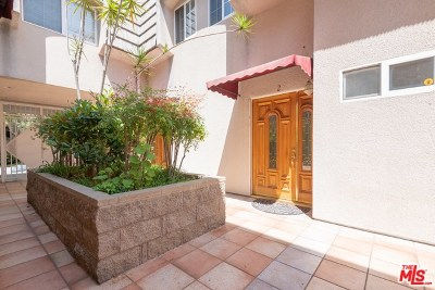Glendale Condo/Townhouse For Sale: 1616 N Verdugo Road #2