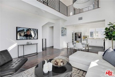 Hollywood Single Family Home For Sale: 6016 N Beachwood Ln Lane