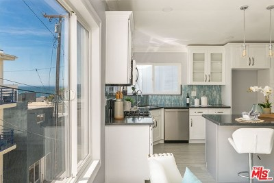 Manhattan Beach Single Family Home For Sale: 121 Shell Street