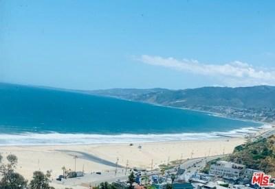 Los Angeles County Condo/Townhouse For Sale: 201 Ocean Avenue #806P