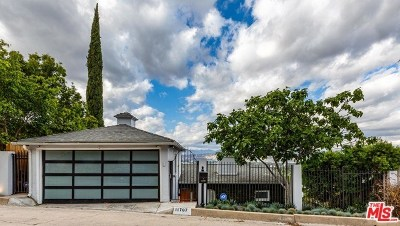 Studio City Single Family Home Active Under Contract: 11707 Laurelwood Drive