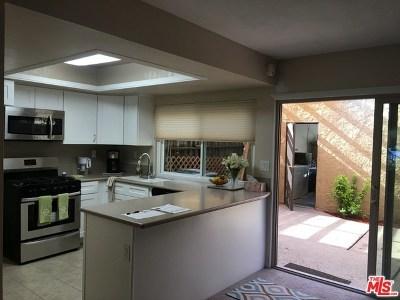 Winnetka Condo/Townhouse For Sale: 20127 Leadwell Street #6