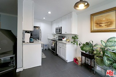 Los Angeles Condo/Townhouse For Sale: 320 S Ardmore Avenue #234
