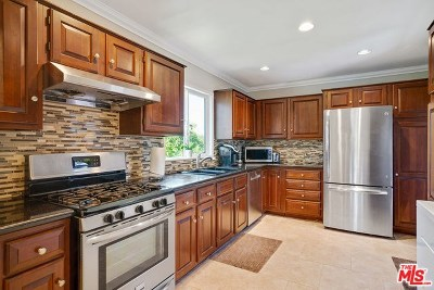 Pasadena Single Family Home For Sale: 381 Avocado Lane