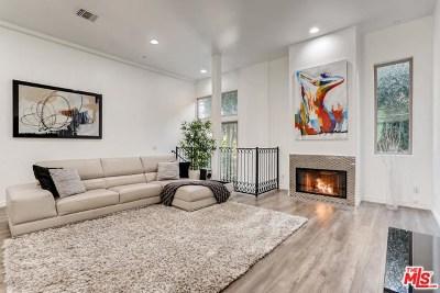 Studio City Condo/Townhouse For Sale: 11444 Moorpark Street #104