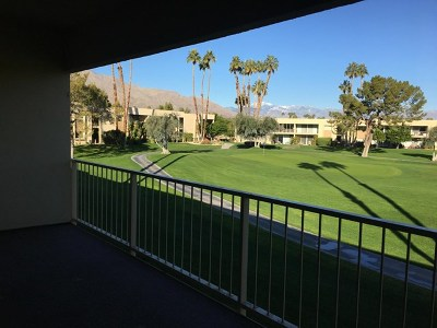 Palm Springs Condo/Townhouse For Sale: 405 Desert Lakes Drive