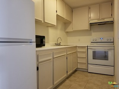 Palm Springs Condo/Townhouse For Sale: 2875 N Los Felices Road #214