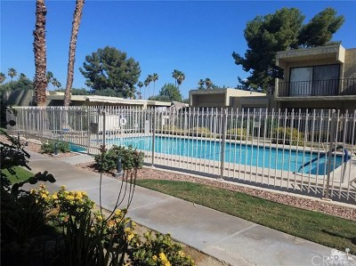 Palm Springs Condo/Townhouse For Sale: 2413 Los Patos Drive