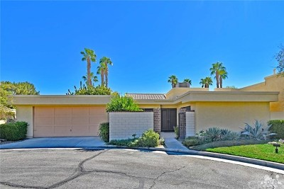 Palm Springs Condo/Townhouse For Sale: 6735 Harwood Circle