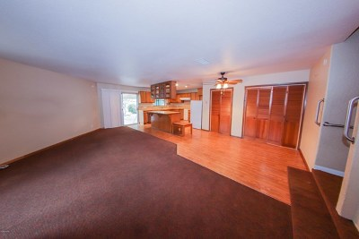 Arleta Single Family Home For Sale: 10203 Lev Avenue