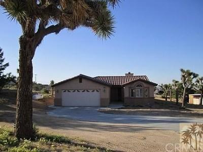Joshua Tree Single Family Home For Sale: 61178 Prescott